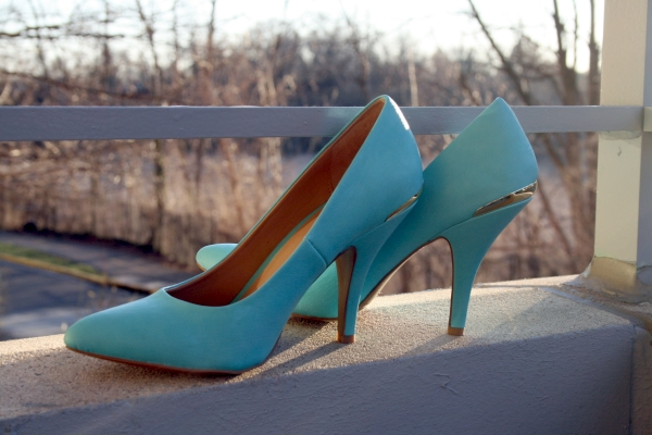 First off, the MUST HAVE pair of pumps.  I saw these at the beginning of January and I was hooked! Teal pumps with metal trim on the back from Forever 21 for $27.80! BTW they are surprisingly comfortable! Lasted me 8 hours without a single inclining of discomfort.