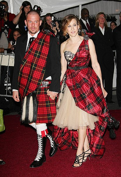 The late great Alexander McQueen accompanied by fashion icon Sarah Jessica Parker at the 2006 Met Gala.