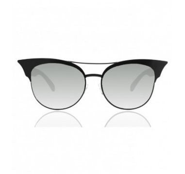 First up, these lovely Quay Australia Zig Sunglasses I found on the Instagram account @WhiteFoxBoutique.